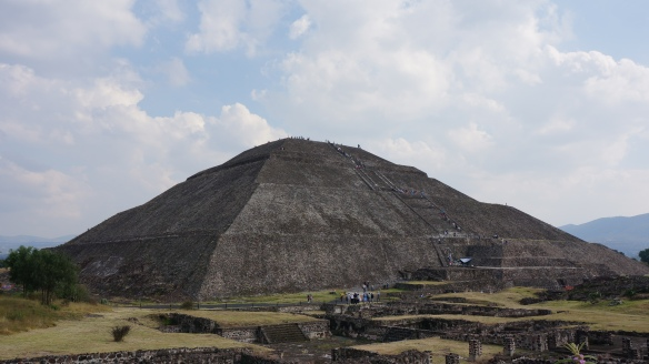 TEOTIHUACAN The Temple of the Sun