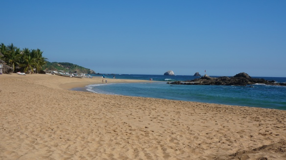 Yes, the beach at San Augustinillo is often this busy, but we do our best to avoid the crowds.