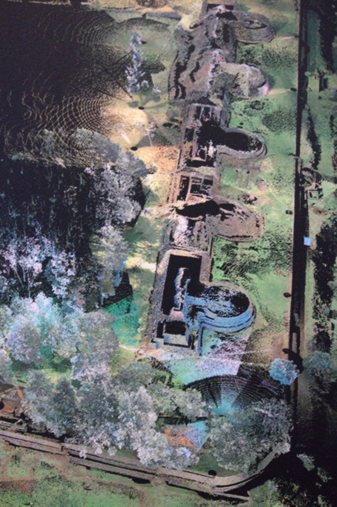 Photo of an aerial view of the structure at Tzintzuntzan.
