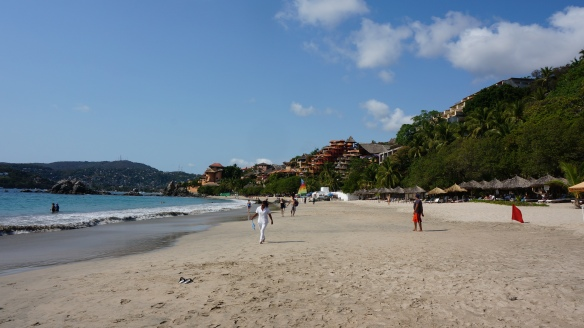 La Ropa Beach at Zihuatenajo