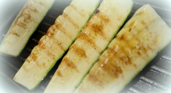 Add those shrimp to some grilled zucchini and the meal is perfecto!