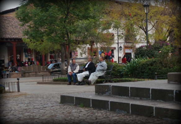I'm not sure why but Patzcuaro had more old men sitting chatting in the plaza than any other place we've been - they were everywhere.  Socializing and usually laughing.
