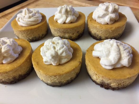 pumpkin-cheesecake-minis