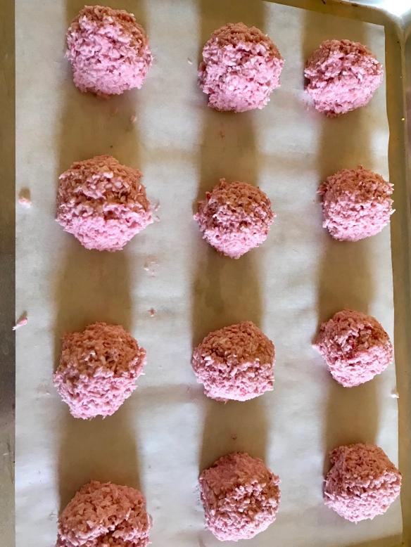 Raspberry Macaroons 5